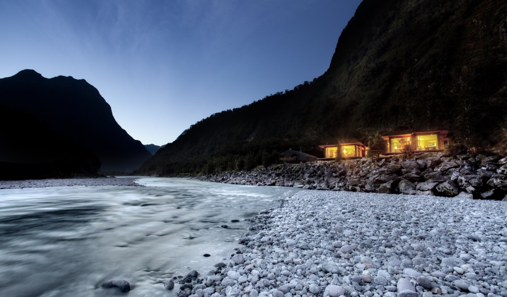 Milford Lodge, Fiordland Accommodation