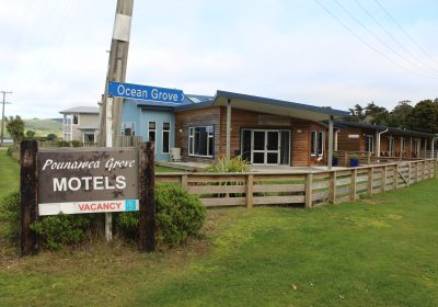 Pounawea Grove Motels